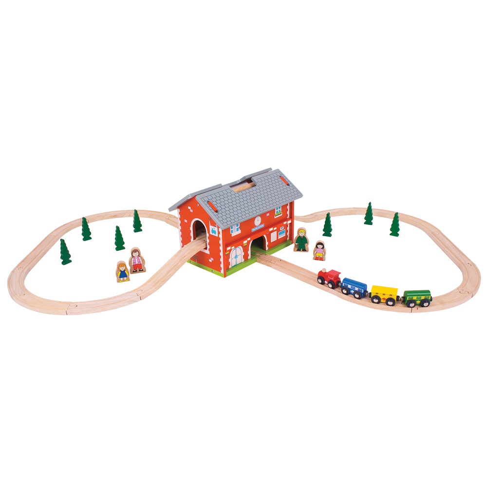 BigJigs Railway Station Set with Roof On